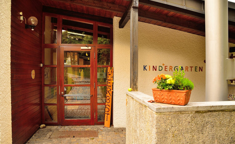 Kath. Kindergarten St. Nikolaus - Eingang