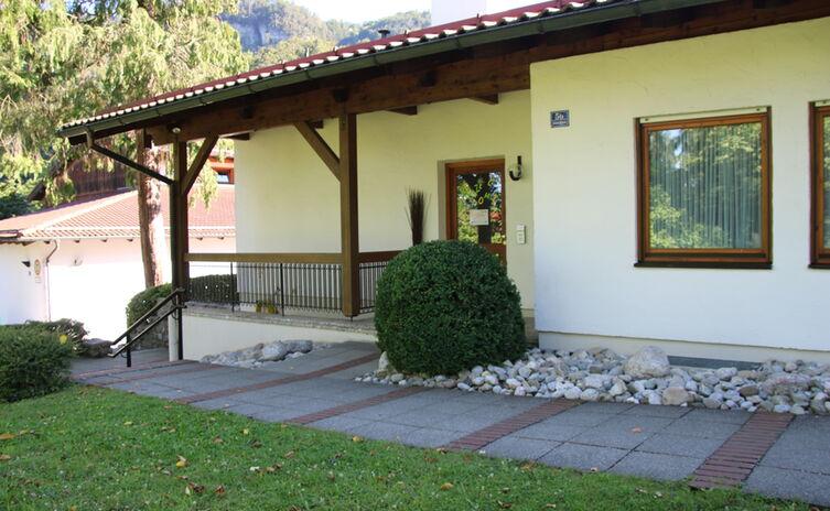 Eingang Kindertagesstätte Karlstein